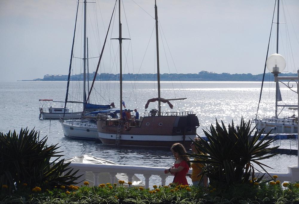 Апартаменты и яхты в Геленджикской марине