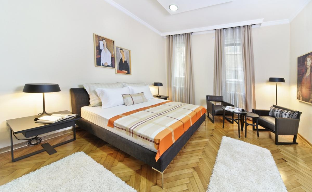 10180 лотов продаются в 89 проектах с апартаментами