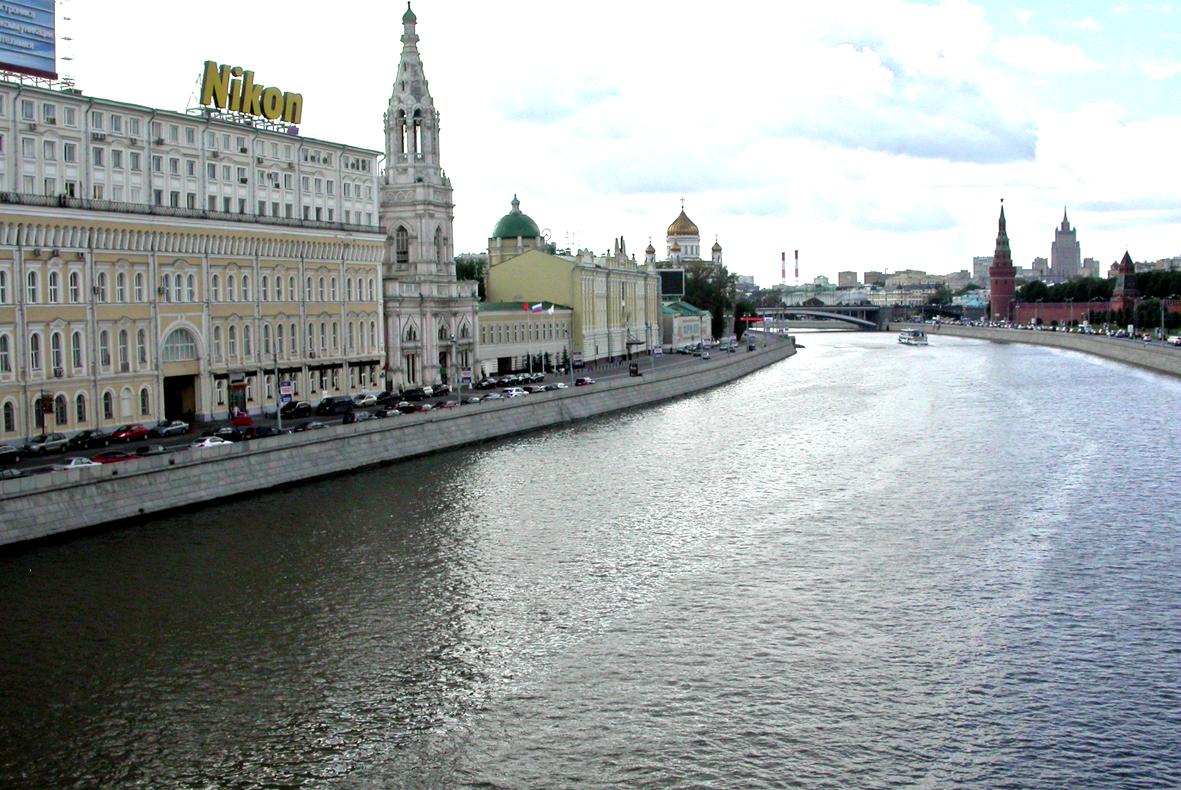 Софийскую набережную Москва-реки будут реставрировать